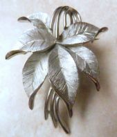 Vintage Crown Trifari Leaf Corsage Brooch.